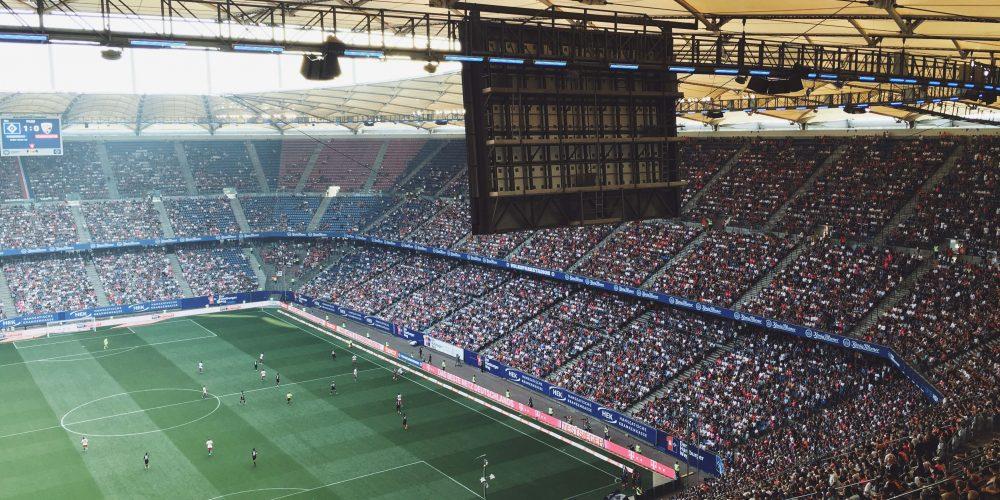 Photo d'un stade de football rempli